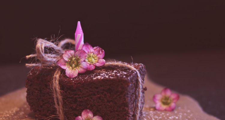 How To Make A Moist Chocolate Cake?